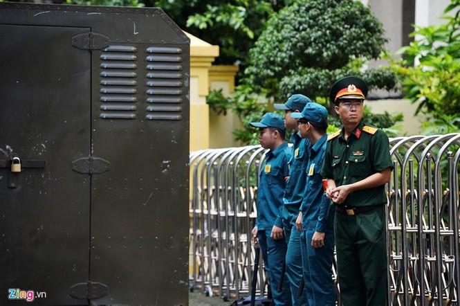 Cận cảnh phiên xử cựu viện phó Nguyễn Hữu Linh - ảnh 7