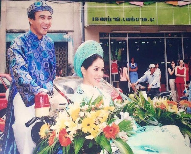 Ảnh cưới và lời nhắn nhủ vợ của MC Quyền Linh gây 'bão' mạng - ảnh 4
