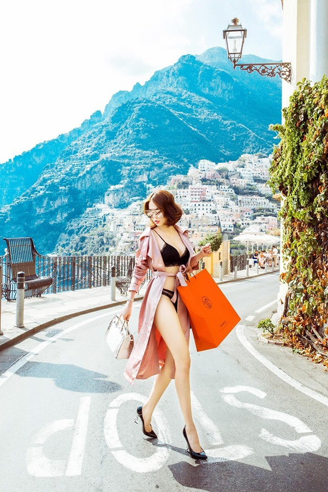 Ngọc Trinh lại nhận 'mưa gạch đá' khi mặc bikini thả dáng sexy trên phố ở Ý - ảnh 2