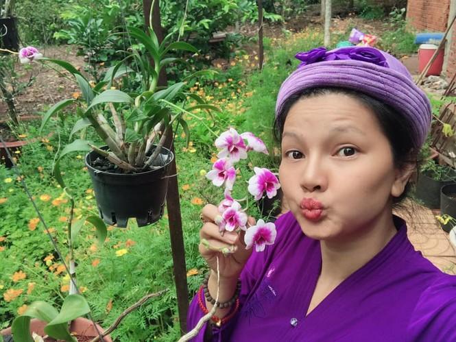 Cuộc sống của 'Nữ hoàng cảnh nóng' Việt thời COVID-19 ra sao? - ảnh 1