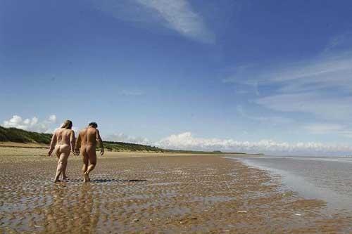 Holkham đã từng là bãi biển cho phép khỏa thân