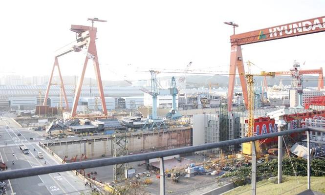 Toàn cảnh nhà máy đóng tàu lớn nhất thế giới của Hyundai