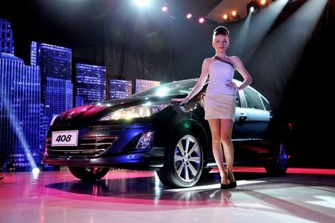 Peugeot 408 được bán với giá 1,049 tỷ đồn