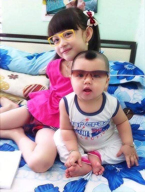 Vũ Ngọc Thiên Băng sinh ngày 11/08/2007, hiện đang là học sinh lớp 1 sống cùng bố mẹ tại Biên Hòa, Đồng Nai.