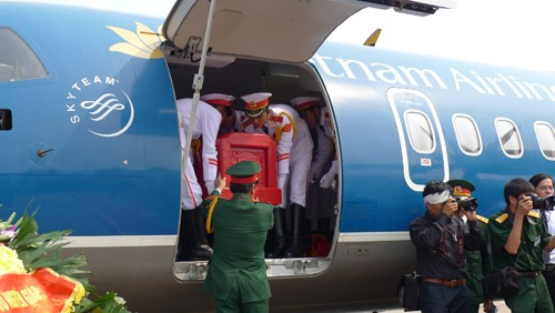 Chùm ảnh: Tiễn đưa Đại tướng tại sân bay Nội Bài - ảnh 6