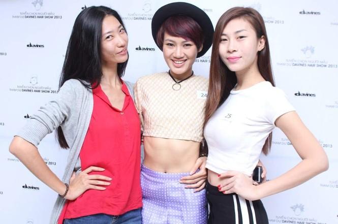 Một số người mẫu tham gia casting