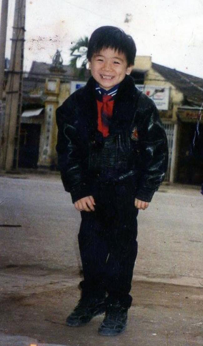 Hình ảnh ngày còn bé của Đỗ Quang Vinh- con trai trưởng của Chủ tịch ngân hàng SHB và Tập đoàn T&T, Đỗ Quang Hiển