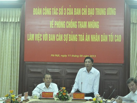 Trưởng ban Nội chính T.Ư Nguyễn Bá Thanh phát biểu tại buổi làm việc với TANDTC sáng qua. Ảnh: CTV