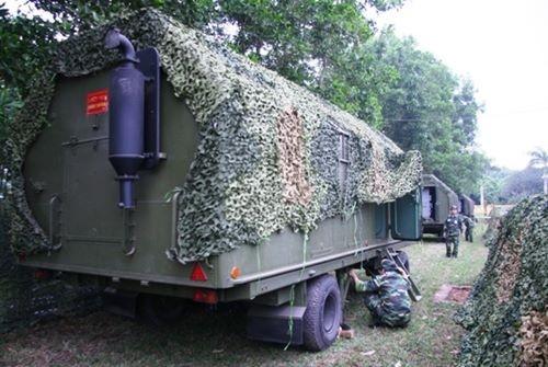 Triển khai khí tài trên trận địa dã chiến