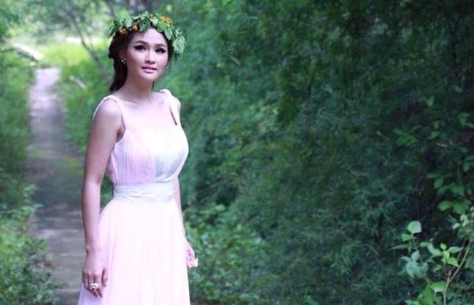 Sokun Nisa sinh ngày 1/5/1989, là một hot girl Campuchia khá nổi bật với ngoại hình xinh đẹp, khuôn mặt thanh tú