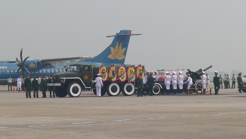 Chùm ảnh: Tiễn đưa Đại tướng tại sân bay Nội Bài - ảnh 3