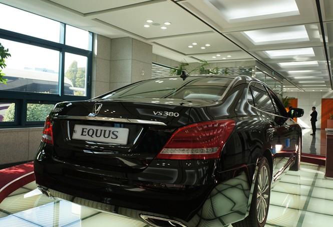 Dòng xe hạng sang trong phòng trưng bày tại hội sở của Hyundai Motor ở Ulsan