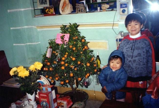 2 con trai của chủ tịch SHB Đỗ Quang Hiển trong ngày Tết