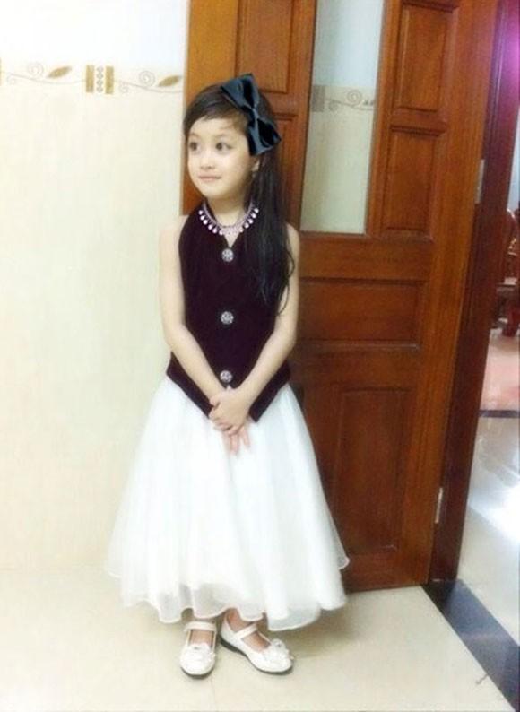 Cô bé học lớp 1 xinh như tiểu công chúa - ảnh 10