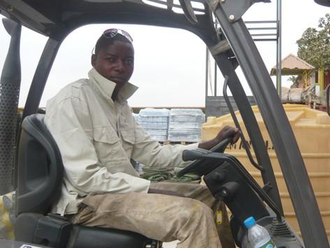 Nhiều lao động Angola được công ty anh Thi nhận vào làm việc
