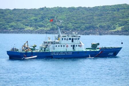 Tàu của Cảnh sát biển Việt Nam tuần tra trên biển