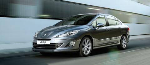 Cới động cơ 2.0L máy xăng, loại 4 xilanh thẳng hàng, hộp số tự động 6 cấp, công suất cực đại 139 mã lực/6000 vòng/phút, mô men xoắn 200Nm/4000 vòng/ phút, Peugeot 408 đạt vận tốc tối đa 199km/giờ, thời gian tăng tốc từ 0 lên 100 km/giờ trong 11,4 giây. Tiêu hao nhiên liệu trung bình theo công bố là 7,6 lít/100km