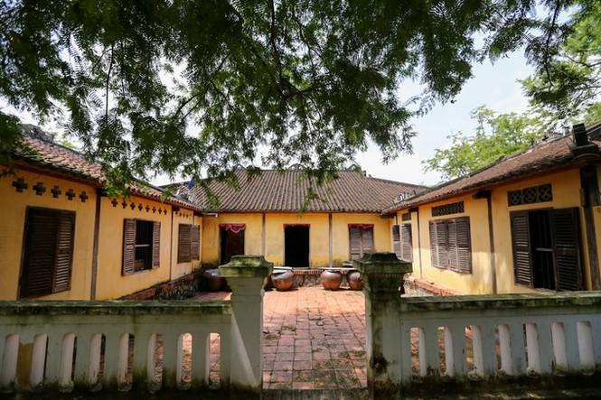Ngôi nhà cổ kiến trúc Huế có hơn trăm cột ở miền Tây - ảnh 11