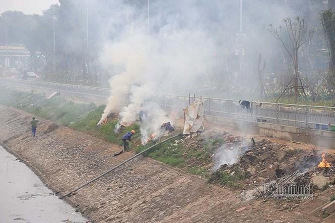 'Sông Tô Lịch như người bệnh, chỉ đỡ xấu chứ không thể sạch' - ảnh 2