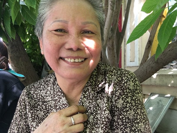 Đột kích 'xóm bà đẻ' ở Sài Gòn, phụ nữ vừa cho con bú vừa đánh bài - ảnh 1