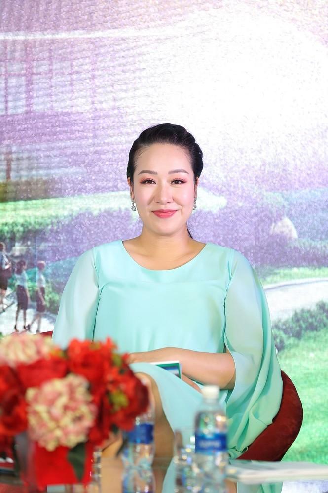 Hoa hậu Ngô Phương Lan: 'Công nghệ thông minh giúp gia đình gần nhau hơn' - ảnh 4