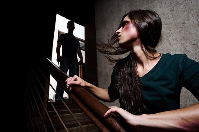 Từ vụ 'võ sư' đánh vợ, phụ nữ nên làm gì khi bị nam giới bạo hành? - ảnh 2