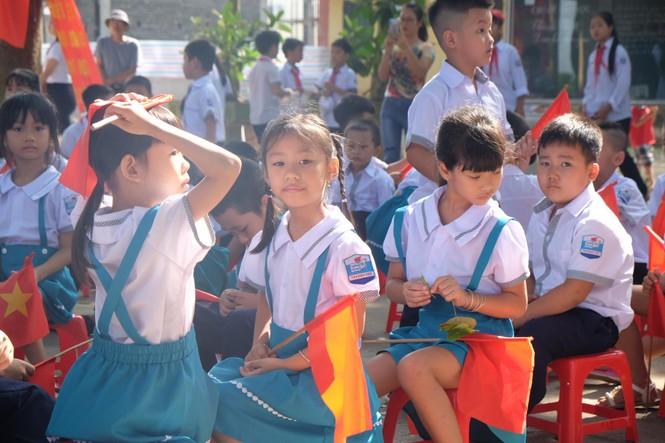 EVN HANOI đồng hành cùng học sinh khó khăn trong năm học mới - ảnh 3