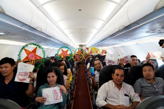 'Phá cỗ trông trăng' trên tàu bay – trải nghiệm đặc biệt cùng Vietjet - ảnh 5