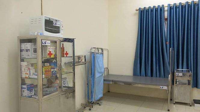 Tập đoàn LS Hàn Quốc tài trợ nâng cấp trang bị đồ dùng, vật phẩm y tế cho phòng y tế học - ảnh 2