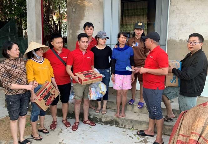 Vietlott cùng Trung đoàn Cảnh sát cơ động Bắc Trung Bộ cứu trợ tại Hà Tĩnh, Quảng Bình - ảnh 1