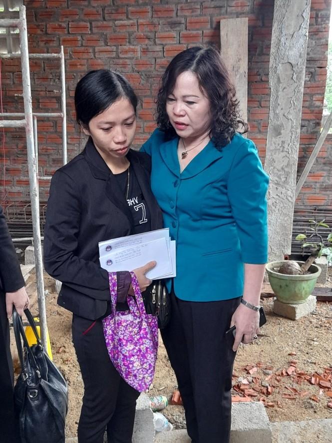 Bộ GD-ĐT hỗ trợ ngành giáo dục Huế khắc phục hậu quả lũ lụt - ảnh 3