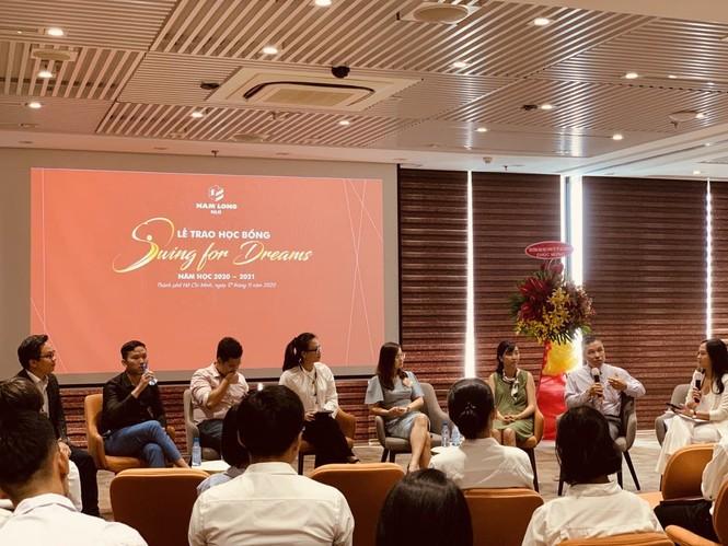 Tập đoàn Nam Long trao học bổng thường niên 'Swing For Dreams' 2020  - ảnh 3