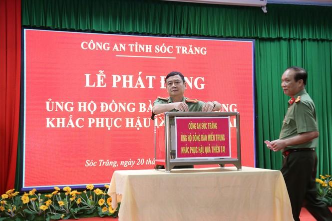 Đại hội đảng bộ TP Đà Nẵng, đại biểu quyên góp được hơn 140 triệu ủng hộ dân vùng bão lụt - ảnh 3