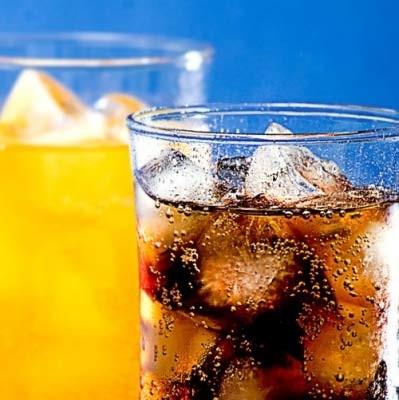 Người bị ợ hơi không nên uống đồ uống có ga