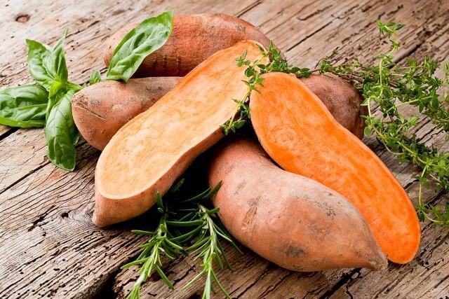 Không cần thuốc bổ, ăn khoai lang vừa tốt vừa chữa được nhiều bệnh nguy hiểm - ảnh 1
