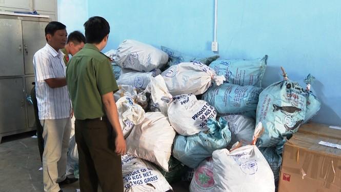 Triệt phá đường dây buôn lậu máy móc, linh kiện mô tô từ Lào về Huế - ảnh 2