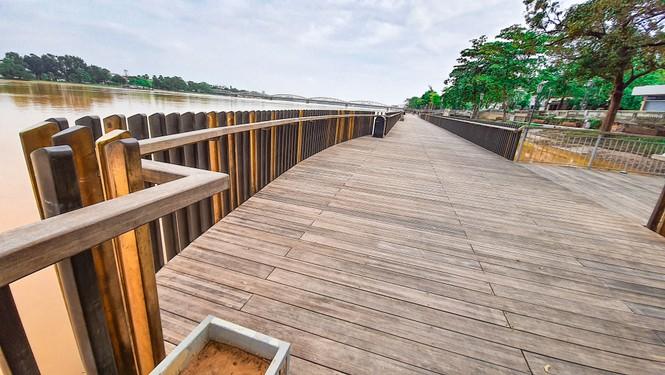Nhìn gần cầu gỗ lim siêu sang xứ Huế sau vượt lũ báo động 3 - ảnh 14