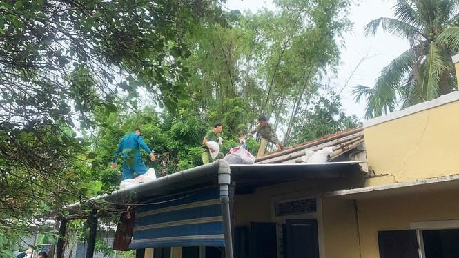 Người dân Huế không được ra khỏi nhà từ 21h tối 27/10 để tránh bão - ảnh 4