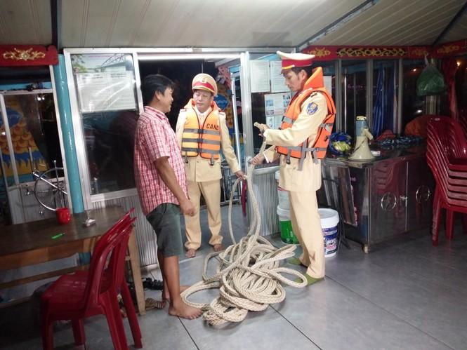 Người dân Huế không được ra khỏi nhà từ 21h tối 27/10 để tránh bão - ảnh 7