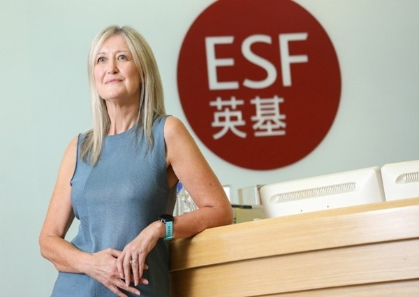 """Nhóm trường quốc tế lớn nhất Hong Kong thừa nhận, có thầy giáo """"đo độ dài váy của nữ sinh"""" - ảnh 1"""