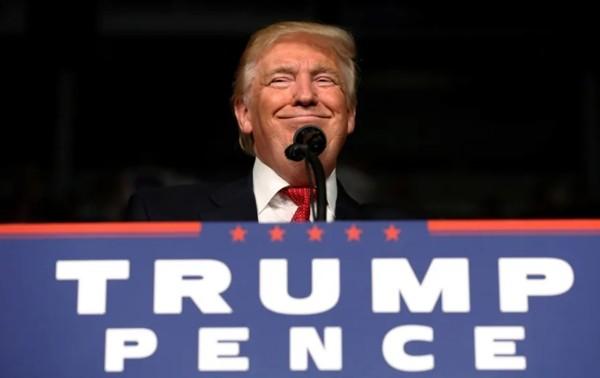 """Cuối cùng thì Tổng thống Trump cũng được trao một danh hiệu: """"Người tạo tin tức của năm"""" - ảnh 1"""