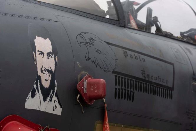 Xem dàn tiêm kích F-15E 'phiên bản Halloween' của Không quân Hoàng gia Anh - ảnh 12