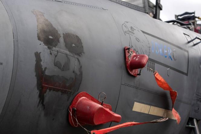 Xem dàn tiêm kích F-15E 'phiên bản Halloween' của Không quân Hoàng gia Anh - ảnh 2