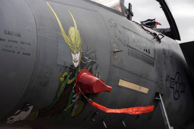 Xem dàn tiêm kích F-15E 'phiên bản Halloween' của Không quân Hoàng gia Anh - ảnh 3