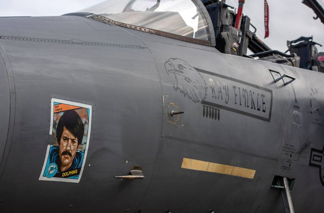 Xem dàn tiêm kích F-15E 'phiên bản Halloween' của Không quân Hoàng gia Anh - ảnh 4
