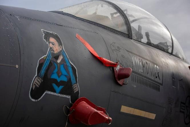 Xem dàn tiêm kích F-15E 'phiên bản Halloween' của Không quân Hoàng gia Anh - ảnh 5