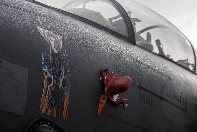 Xem dàn tiêm kích F-15E 'phiên bản Halloween' của Không quân Hoàng gia Anh - ảnh 8