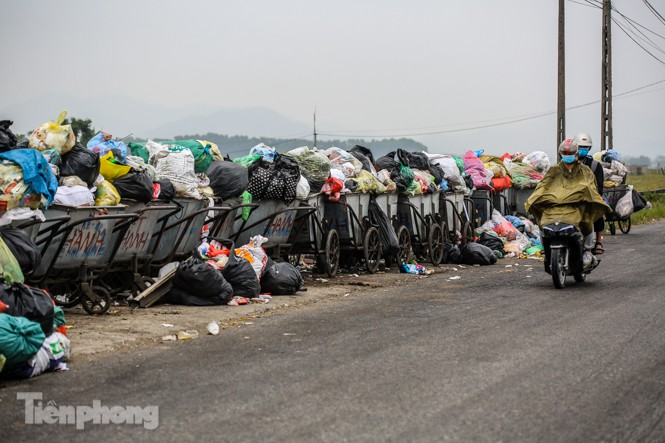 Người dân quanh bãi rác Nam Sơn mong sớm được đền bù để di dời - ảnh 9