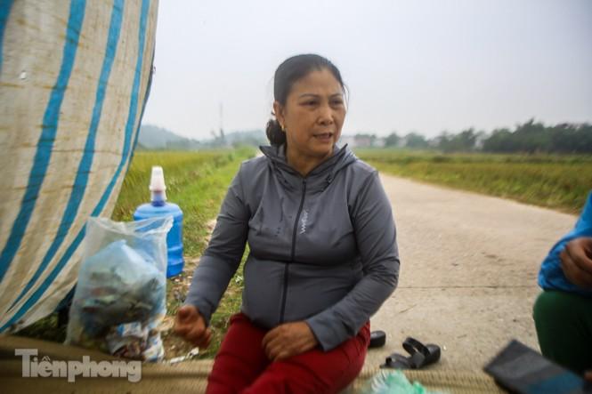 Người dân quanh bãi rác Nam Sơn mong sớm được đền bù để di dời - ảnh 2