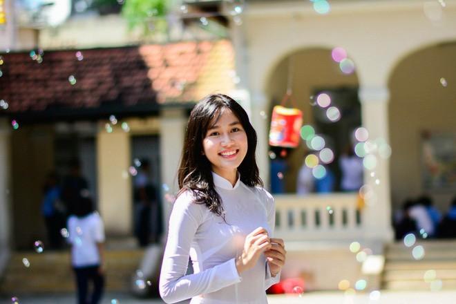 Nhan sắc đời thường của hai Á hậu Hoa hậu Việt Nam 2020 - ảnh 3